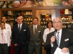 Total Wine Kendall Grand Opening EVP Mark Powell with Store Management (640x480)