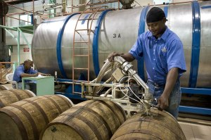 barrel-filling-and-rum-maturation
