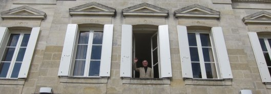 Alfio wishing everyone good night from his room at Château La Papeterie